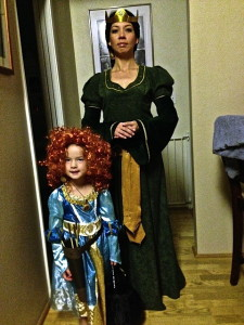 TRACIE AS #QUEENELENOR from #Disney's #Brave from #KHAROLINACOSTUME